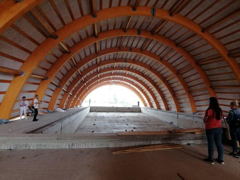 Augusztusban befejeződhet a gyergyószentmiklósi tanuszoda építése
