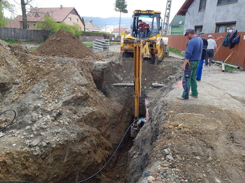 Most azért ásnak, hogy később ne legyen gond az esővíz-elvezetéssel