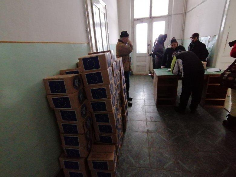 922 uniós segélycsomagot osztanak ki Gyergyószentmiklóson