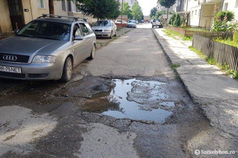 Cserélik a vízhálózatot a Bucsin lakótelepen, télre megoldódhatnaknak a víznyomásproblémák