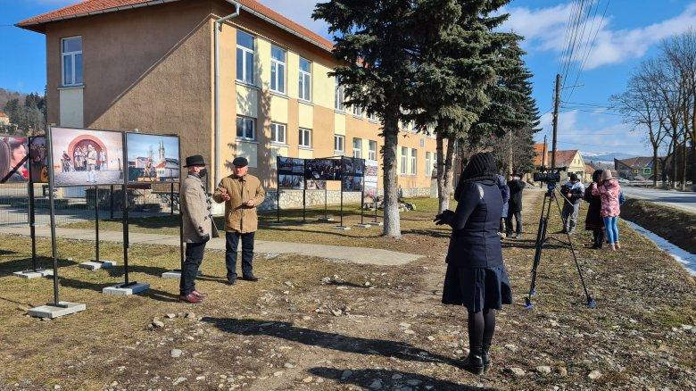 Koronavírusos gyászbeszéddel temették el a nagybőgőt és a farsangot Gyergyószárhegyen