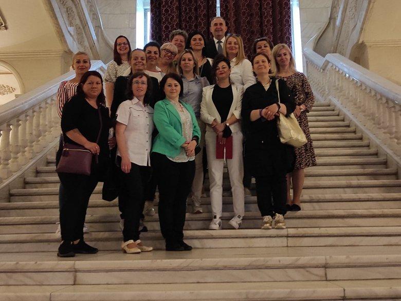 A parlamentben jártak a gyergyói édesanyák