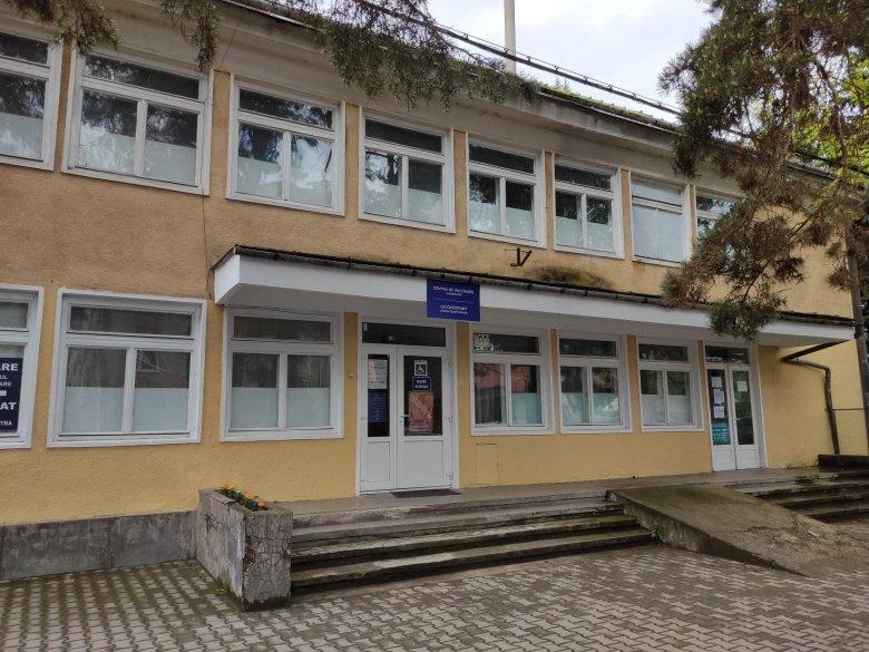 A csökkenő érdeklődés miatt rövidült a gyergyószentmiklósi oltóközpont nyitvatartása