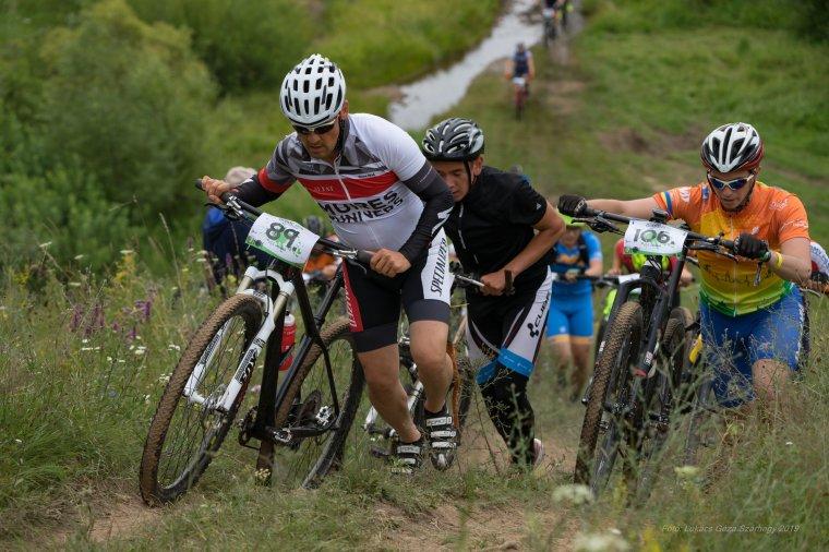 Az év első hegyikerékpár-versenyét rendezték Güdücön