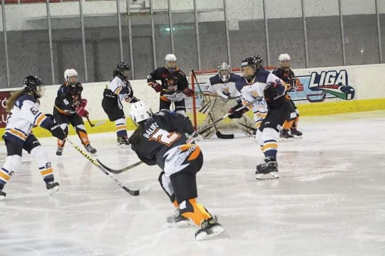 Így kell bemutatkozni: a gyergyói lányok két meccset nyertek a magyar női jégkorongbajnokságban