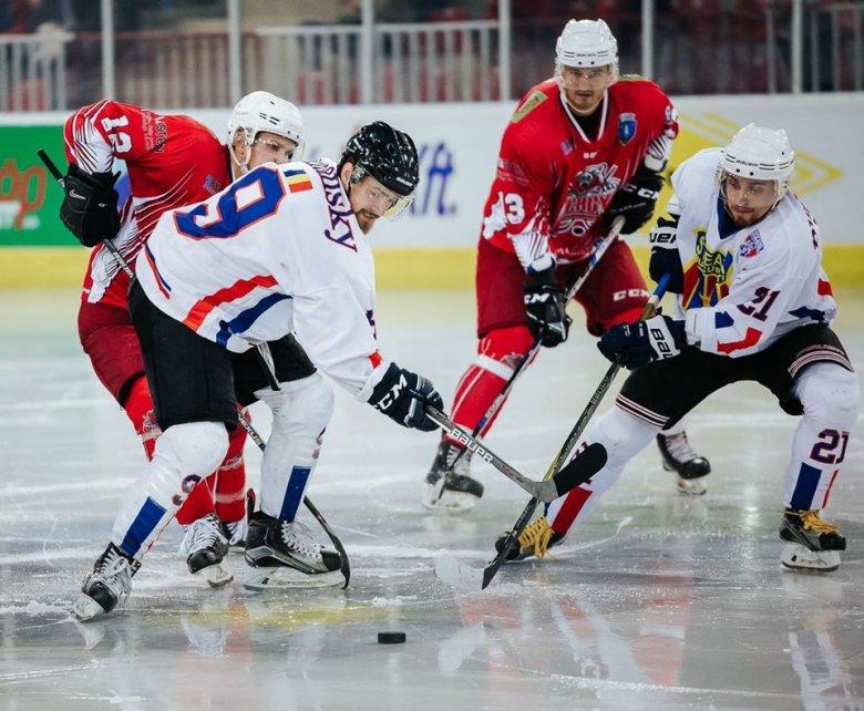 Góga Attila a következő szezonban is piros-fehérben játszik