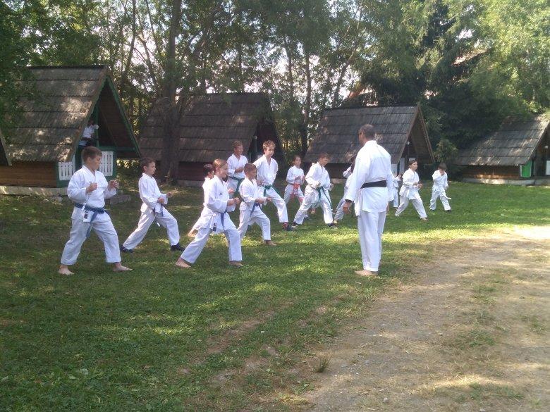 Tábort szervezett a Gyergyói Karate Klub