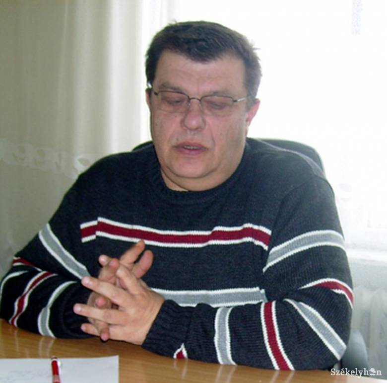 Nyelvtanilag hibás kéréssel jelentkezik a diszkriminációellenes tanácsba a háromszéki politikus