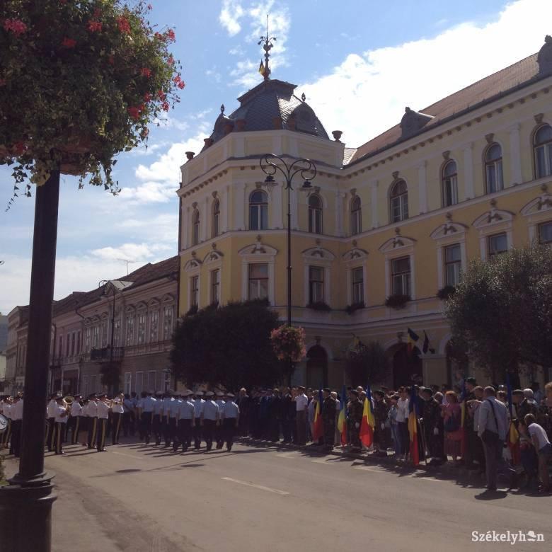 """Tanasă felsült: nem kell kitűzni a román zászlót Sepsiszentgyörgy """"magyar megszállás alóli felszabadítása"""" emlékére"""