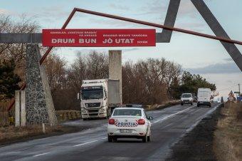"""Dan Tanasă """"lepattant"""" a Brassó megyei kétnyelvű táblákról, a bíróság szerint magyarul is üdvözölhetnek"""