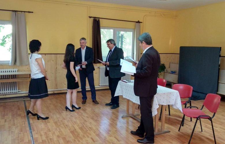 Pénzjutalmat kapnak a kiemelkedő teljesítményt nyújtó háromszéki diákok