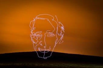 Teret nyer a lebegő fényszobrok művészete – Előd Ágnes magyarországi szobrászművész alkotásairól, különleges technikájáról