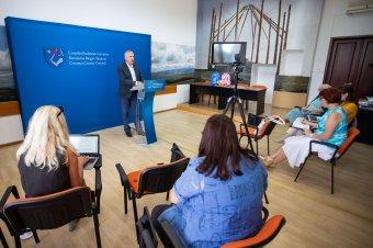 Jobb, de még mindig nem elég jó a közigazgatási törvény új változata a Kovászna megyei önkormányzat elnöke szerint