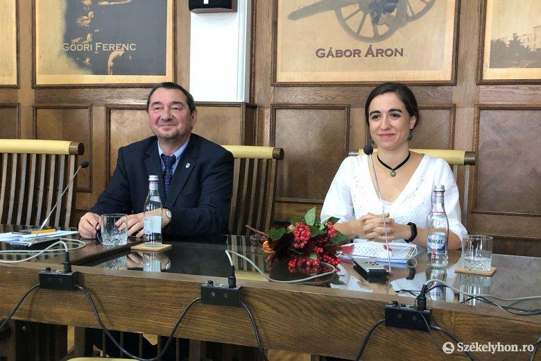 Az ifjúsági ügyeket és a művelődési intézményeket bízzák Sepsiszentgyörgy 25 éves alpolgármesterére