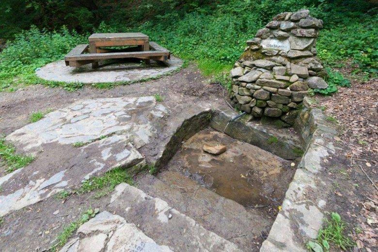 Ismét iható a Sugásfürdő felé található két forrás vize