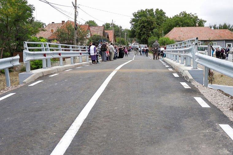 Új híd épült Csernátonban