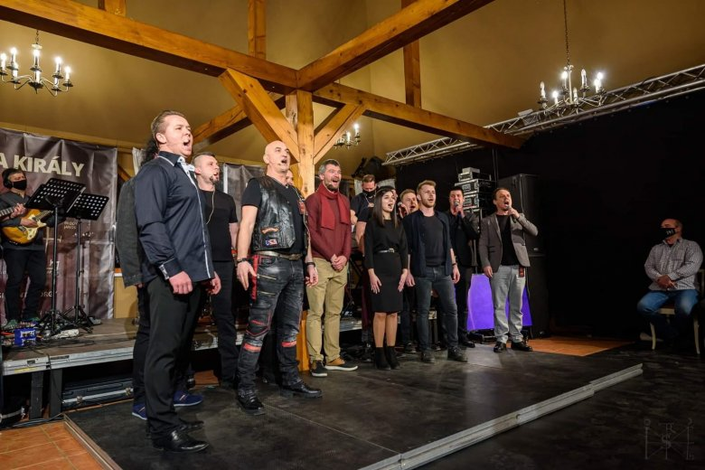 Erdélyi szereplőkkel mutatják be az István, a király rockoperát a Sepsi Arénában