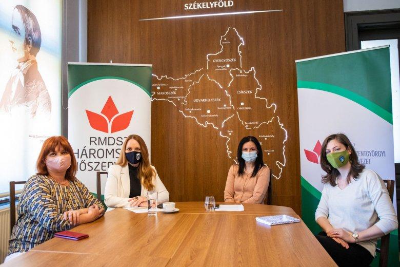 Beszélgetéssorozat indul a nők közéleti szerepvállalásáról