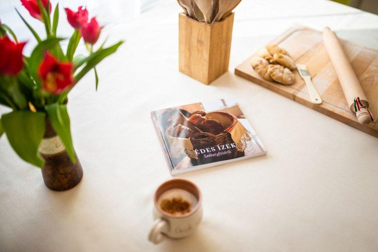 Nemcsak receptes könyv, hanem időutazás, nosztalgiakörút egész Székelyföldön
