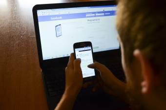 """""""Magának keresi a bajt"""", aki a Facebookon szidalmazza a rendőröket, csendőröket"""