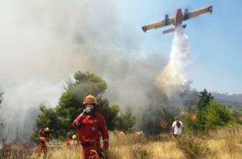 Turistákat kellett kimenekíteni az erdőtüzek miatt Montenegróban