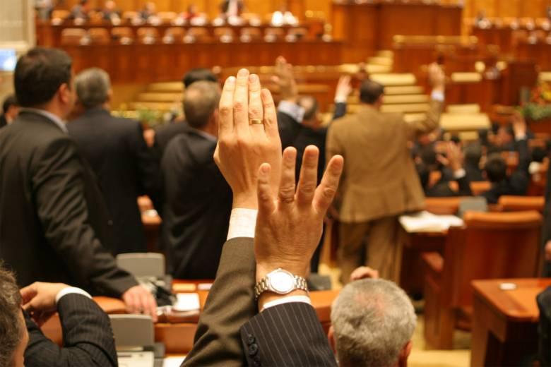 Btk.-módosítás: olyasmit is megszavazott az RMDSZ, amit tavaly még elutasított