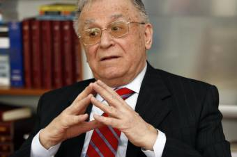 Stabil a szívműtéten átesett Ion Iliescu volt államfő állapota
