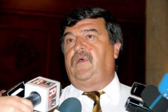 Korrupcióval gyanúsított volt alkotmánybírót nevezett ki kormányfőtitkárnak a miniszterelnök
