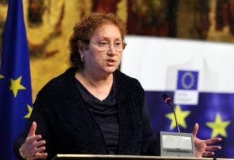 Alkotmányellenesnek nyilvánították a talárosok Renate Weber ombudsman menesztését