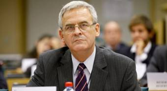 Román centenárium – Tőkés szerint óriási az ellentmondás a romániai jogállamiság és a jubilálás között