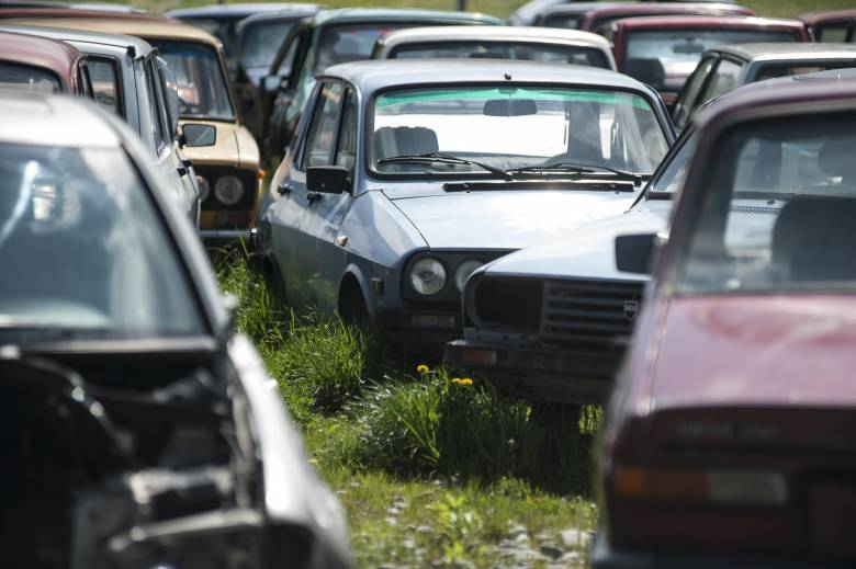 Illegális autóbontó környezetre káros anyagokkal Nagybaconban