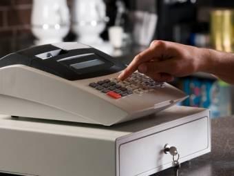 Az elektronikus pénztárgépek használatát vizsgálta az adóhatóság – több mint négymillió lejre bírságoltak
