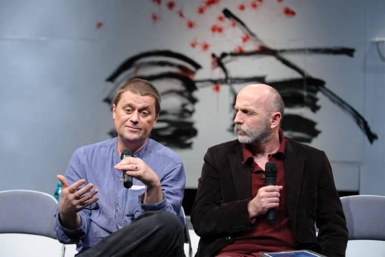 Torokszorító költészet a színházban – Közönségtalálkozó Kolozsváron