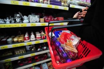 Ennyit fordítanak a romániai lakosok a karácsonyi bevásárlásra és ajándékokra