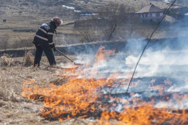 Jókora terület lángolt Csíkszereda mellett