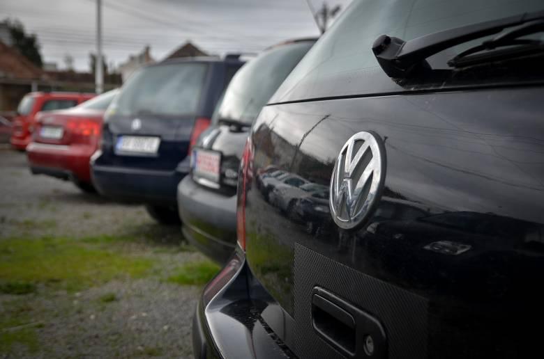 """""""Megfojtják"""" a városokat a használt autók"""