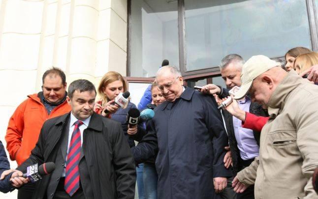 Nem zárolja a bíróság Ion Iliescuék vagyonát a bányászjárás perében