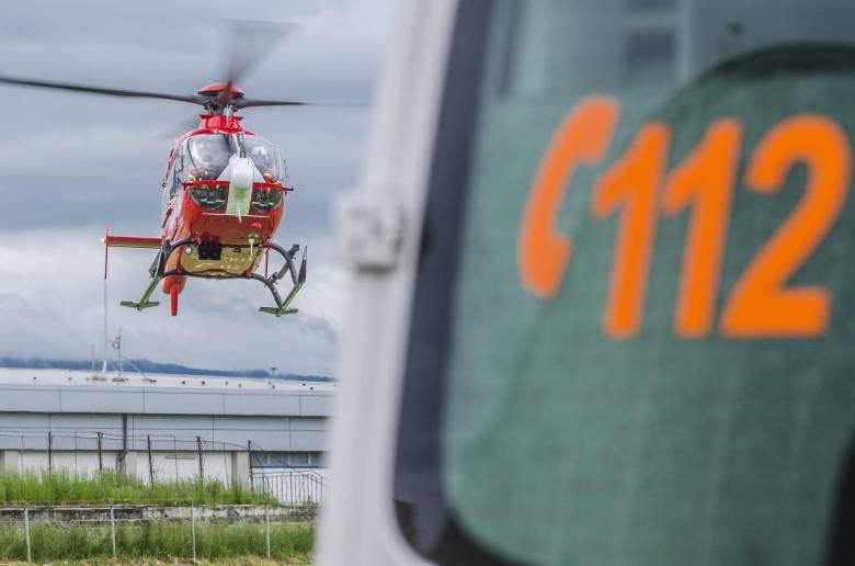 Mentőhelikopterrel szállították kórházba a jéghideg Marosba esett gyermeket