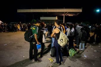 Humanitárius vagy provokált migrációs válság? Több ezren özönlötték el az észak-afrikai spanyol exklávét