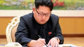 """Életjelet adott magáról a sokak által """"temetett"""" észak-koreai diktátor"""