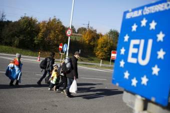 A bevándorlás a legaggasztóbb az európaiak számára egy uniós felmérés szerint