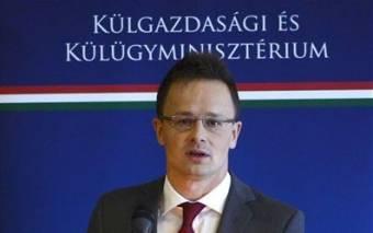 Szijjártó Péter szerint a román kormányfő kiírta magát a kulturált európai politikusok sorából
