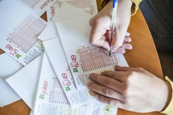 A iași-i lottónyertes vállalkozást indítana és gyerekeit segítené a kétmillió eurós nyereményből