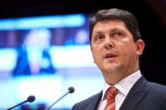 """Corlăţean felszólította az államfőt, """"tegyen tanúbizonyságot nemzeti méltóságról"""", és hirdesse ki a Trianon-törvényt"""