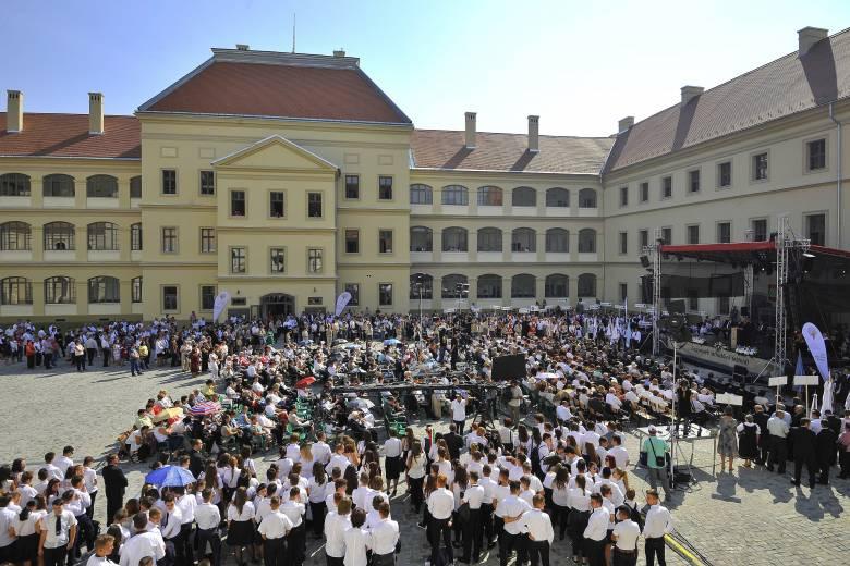 Felavatták a nagyenyedi Bethlen Gábor Kollégium felújított épületét