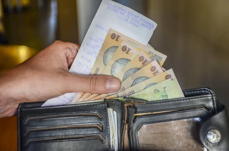 A teljes kormánykoalíció felvállalja az egységes bérezési törvényt