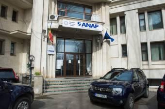 Magánszemélyeket rohant le az ANAF – törvényes, de szervezetlen és sietős az adóbehajtás a közelgő elévülés miatt