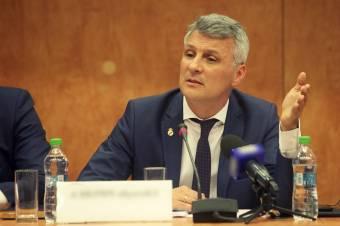 Daniel Zamfir ALDE-szenátor szerint a bankok közös megegyezéssel manipulálják a ROBOR-t – a jegybank képviselője cáfolja a vádat