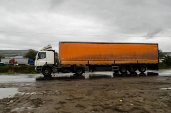 Megnövekedett a Magyarországra tartó teherautók várakozási ideje a határátkelőnél