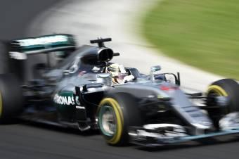 Forma-1: jól taktikázott a Mercedes, Hamilton nyert vasárnap a Hungaroringen